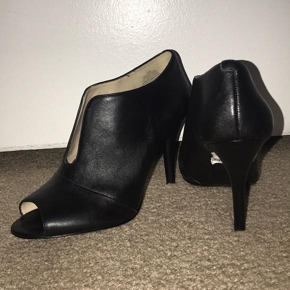 28e3073de877 Nine West Artissa Peep Toe Bootie Size 8.5